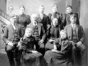 1894-bjorn-reiersen-family-portrait