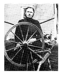 sigrid-olasdatter-lauvli-spinning-wheel-1918